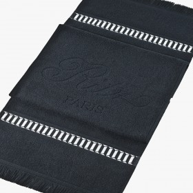 Black sporting towel